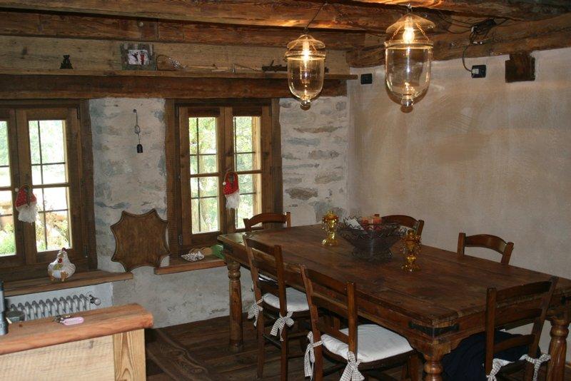Arredamenti interni in legno for Siti arredamento interni