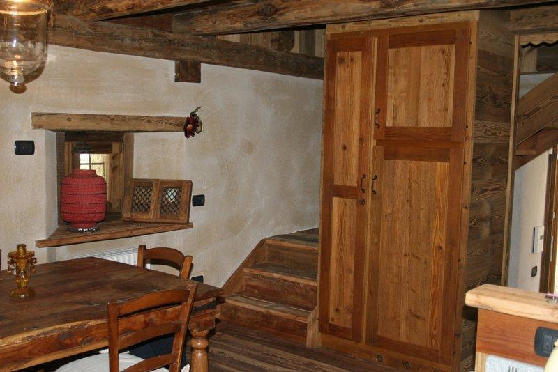 Arredamenti interni in legno for Arredamento interni
