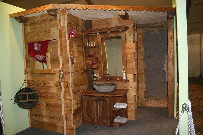 Arredamento in legno per bagni - Legno per bagno ...